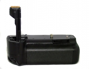 USED YXTM DSLR BATTERY PACK FOR CANON 20D/30D