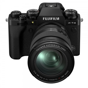Fujifilm X-T4 + 16-80mm Lens (Black)